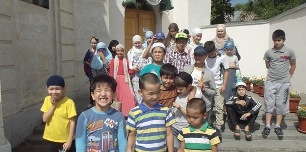 Экскурсия детей в историческую мечеть «Караван – Сарай»