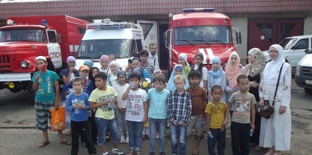 Маленькие мусульмане и мусульманки посетили пожарную часть №1 города Оренбурга