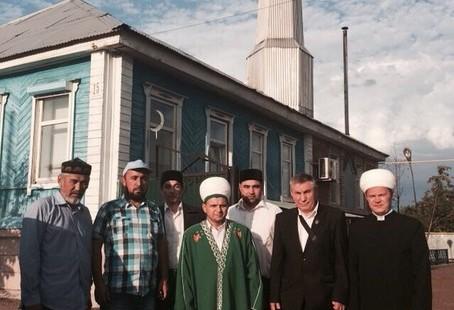 30 июля 2015 года. Визит председателя ДУМОо Альфит хазрата Шарипова в Бузулукские мечети.