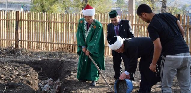 Председатель ДУМОо принял участие в закладке фундамента строящейся мечети Ибрагимово Кувандыкского района