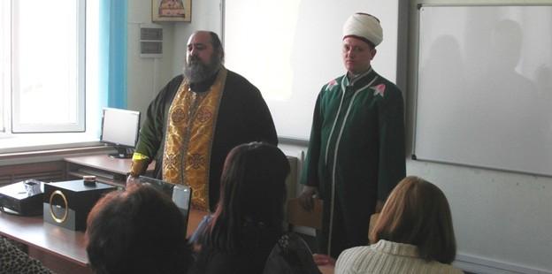 Руководитель отдела пресс-центра ДУМОо посетил православную гимназию города Оренбурга